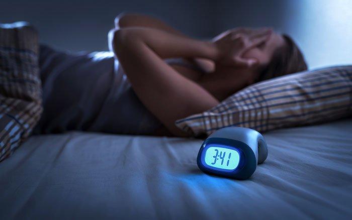 Studie: Unregelmäßiger Schlafrhythmus macht krank