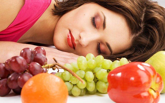 Wie unsere Ernährung die Schlafqualität beeinflusst