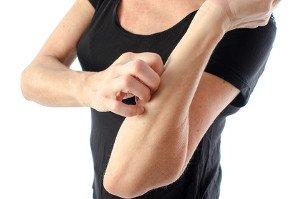 Trockene Haut im Winter: Was kann man dagegen tun?