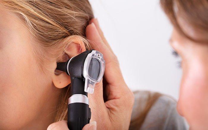 Ohrenschmalz entfernen: Das sind die effektivsten Methoden