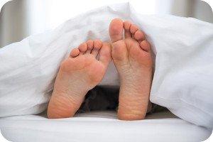 Fuß eingeschlafen: Ursachen & erste Hilfe bei eingeschlafenen Füßen
